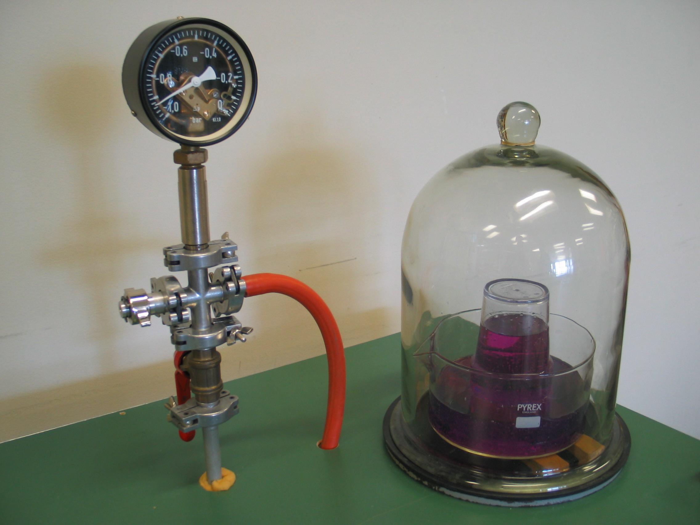 Principe du barom tre colonne d eau et pression - Colonne d eau lumineuse ...